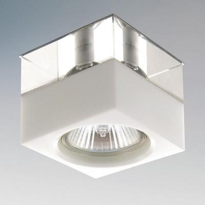 Lightstar META 004146R СветильникКвадратные<br>Встраиваемые светильники – популярное осветительное оборудование, которое можно использовать в качестве основного источника или в дополнение к люстре. Они позволяют создать нужную атмосферу атмосферу и привнести в интерьер уют и комфорт. <br> Интернет-магазин «Светодом» предлагает стильный встраиваемый светильник Lightstar 004146R. Данная модель достаточно универсальна, поэтому подойдет практически под любой интерьер. Перед покупкой не забудьте ознакомиться с техническими параметрами, чтобы узнать тип цоколя, площадь освещения и другие важные характеристики. <br> Приобрести встраиваемый светильник Lightstar 004146R в нашем онлайн-магазине Вы можете либо с помощью «Корзины», либо по контактным номерам. Мы развозим заказы по Москве, Екатеринбургу и остальным российским городам.<br><br>Тип цоколя: G5.3<br>Ширина, мм: 70<br>MAX мощность ламп, Вт: 50<br>Диаметр врезного отверстия, мм: 47<br>Длина, мм: 70<br>Высота, мм: 60
