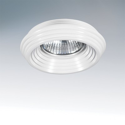 Lightstar RINGO 11000 СветильникКруглые<br>Встраиваемые светильники – популярное осветительное оборудование, которое можно использовать в качестве основного источника или в дополнение к люстре. Они позволяют создать нужную атмосферу атмосферу и привнести в интерьер уют и комфорт.   Интернет-магазин «Светодом» предлагает стильный встраиваемый светильник Lightstar 11000. Данная модель достаточно универсальна, поэтому подойдет практически под любой интерьер. Перед покупкой не забудьте ознакомиться с техническими параметрами, чтобы узнать тип цоколя, площадь освещения и другие важные характеристики.   Приобрести встраиваемый светильник Lightstar 11000 в нашем онлайн-магазине Вы можете либо с помощью «Корзины», либо по контактным номерам. Мы развозим заказы по Москве, Екатеринбургу и остальным российским городам.<br>