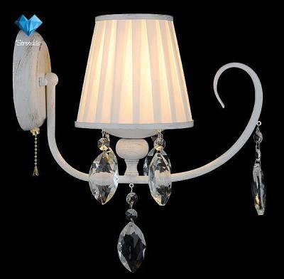Светильник Евросвет 10021/1 белый с золотом/прозрачный хрусталь StrotskisКлассические<br><br><br>Тип лампы: Накаливания / энергосбережения / светодиодная<br>Тип цоколя: E14<br>Количество ламп: 1<br>Ширина, мм: 145<br>MAX мощность ламп, Вт: 40<br>Длина, мм: 285<br>Высота, мм: 355<br>Цвет арматуры: белый с золотистой патиной