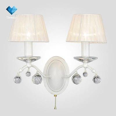 Евросвет 10058/2 белый с золотом/прозрачный хрусталь StrotskisКлассические<br><br><br>Тип лампы: Накаливания / энергосбережения / светодиодная<br>Тип цоколя: E14<br>Количество ламп: 2<br>Ширина, мм: 250<br>MAX мощность ламп, Вт: 40<br>Длина, мм: 250<br>Высота, мм: 345<br>Цвет арматуры: белый