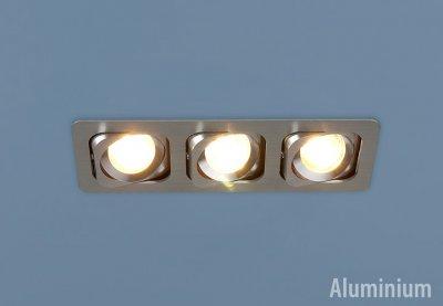 Светильник Elektrostandart 1021/3 хромКарданные светильники<br>Лампы: 3 х MR16 G5.3 max 50 Вт Размер: 253 х 93 мм Высота внутренней части: ? 25 мм Высота внешней части: ? 3 мм Монтажное отверстие: 227 х 80 мм Гарантия: 2 года Светильники имеют поворотный механизм Корпус из алюминия<br><br>Тип лампы: галогенная<br>Тип цоколя: G5.3<br>Количество ламп: 3<br>Ширина, мм: 92<br>Диаметр врезного отверстия, мм: 80 x 242<br>Длина, мм: 254<br>Высота, мм: 35<br>MAX мощность ламп, Вт: 50