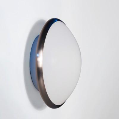 Светильник Lamplandia 12003-23 aquaКруглые<br>Настенно-потолочный светильник. Выполнен из металлического основания цвета матовый хром с плафоном из матового стекла.<br><br>S освещ. до, м2: 6<br>Крепление: потолочный<br>Тип лампы: накаливания / энергосбережения / LED-светодиодная<br>Тип цоколя: E27<br>Количество ламп: 1<br>Ширина, мм: 240<br>MAX мощность ламп, Вт: 100<br>Длина, мм: 240<br>Высота, мм: 90<br>Цвет арматуры: серый