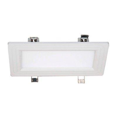 Светильник Favourite 1343-12CМеталлические потолочные светильники<br>Встраиваемые светильники – популярное осветительное оборудование, которое можно использовать в качестве основного источника или в дополнение к люстре. Они позволяют создать нужную атмосферу атмосферу и привнести в интерьер уют и комфорт. <br> Интернет-магазин «Светодом» предлагает стильный встраиваемый светильник Favourite 1343-12C. Данная модель достаточно универсальна, поэтому подойдет практически под любой интерьер. Перед покупкой не забудьте ознакомиться с техническими параметрами, чтобы узнать тип цоколя, площадь освещения и другие важные характеристики. <br> Приобрести встраиваемый светильник Favourite 1343-12C в нашем онлайн-магазине Вы можете либо с помощью «Корзины», либо по контактным номерам. Мы доставляем заказы по Москве, Екатеринбургу и остальным российским городам.<br><br>Крепление: пружина<br>Тип лампы: Led - Светодиодные<br>Тип цоколя: LED<br>Цвет арматуры: белый<br>Количество ламп: 1<br>Ширина, мм: 118<br>Размеры: L210*W118<br>Длина, мм: 210<br>MAX мощность ламп, Вт: 12