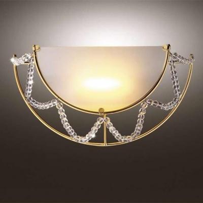 Светильник Odeon Light 1424/1W золото/хрусталь GotaНакладные<br>Нарядный и яркий светильник ODEON LIGHT 1424/1W золото/хрусталь Gota всегда будет привлекать к себе внимание и радовать взгляд! Каждый его элемент гармонично сочетается с остальными, создавая великолепный образец современной классики. Белый матовый плафон испускает мягкое и комфортное для зрения освещение на расстоянии до семи квадратных метров, и благодаря изящной и богатой конструкции, светильник станет яркой деталью в вашем интерьере!<br><br>S освещ. до, м2: 6<br>Тип лампы: галогенная / LED-светодиодная<br>Тип цоколя: R78s<br>Количество ламп: 1<br>Ширина, мм: 330<br>MAX мощность ламп, Вт: 100<br>Высота, мм: 170<br>Цвет арматуры: золотой