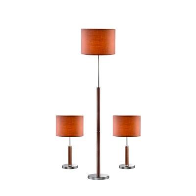 Светильник Favourite 1427-SETКлассические<br>Настольная лампа – это не просто источник дополнительного освещения, но и оригинальный элемент декора. Его можно установить в спальне, гостиной, кабинете и других комнатах. Интернет-магазин «Светодом» предлагает настольные лампы разных стилей по доступным ценам. Благодаря большому ассортименту Вы обязательно найдете в нашем каталоге именно ту модель, которую искали.   Настольная лампа Favourite 1427-SET – прекрасный вариант для завершения интерьера. Ее можно включить одновременно с люстрой для более яркого освещения или без нее для создания уютной атмосферы, настраивающей на отдых.   Купить настольную лампу Favourite 1427-SET Вы можете с помощью виртуальной «Корзины» или по контактным номерам, указанным на сайте.<br><br>S освещ. до, м2: 4<br>Тип лампы: накал-я - энергосбер-я<br>Тип цоколя: E27<br>Количество ламп: 1<br>MAX мощность ламп, Вт: 60<br>Размеры: . <br>Цвет арматуры: коричневый