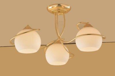 Citilux Лайма CL155132 Люстра потолочнаяПотолочные<br><br><br>Установка на натяжной потолок: Да<br>S освещ. до, м2: 20<br>Крепление: Планка<br>Тип товара: Люстра потолочная<br>Тип лампы: накаливания / энергосбережения / LED-светодиодная<br>Тип цоколя: E27<br>Количество ламп: 3<br>MAX мощность ламп, Вт: 100<br>Диаметр, мм мм: 610<br>Размеры: Диаметр 61см, Высота 29см, Выдувное молочнобелое стекло.Запасное стекло<br>Высота, мм: 290<br>Поверхность арматуры: глянцевый<br>Оттенок (цвет): белый<br>Цвет арматуры: золотой