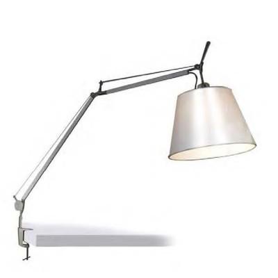 Favourite Phantom 1868-1T Настольная лампаНа струбцине<br>Настольная лампа – это не просто источник дополнительного освещения, но и оригинальный элемент декора. Его можно установить в спальне, гостиной, кабинете и других комнатах. Интернет-магазин «Светодом» предлагает настольные лампы разных стилей по доступным ценам. Благодаря большому ассортименту Вы обязательно найдете в нашем каталоге именно ту модель, которую искали.   Настольная лампа Favourite 1868-1T – прекрасный вариант для завершения интерьера. Ее можно включить одновременно с люстрой для более яркого освещения или без нее для создания уютной атмосферы, настраивающей на отдых.   Купить настольную лампу Favourite 1868-1T Вы можете с помощью виртуальной «Корзины» или по контактным номерам, указанным на сайте.<br><br>Тип цоколя: E27<br>Количество ламп: 1<br>MAX мощность ламп, Вт: 60<br>Размеры: D240*H1670