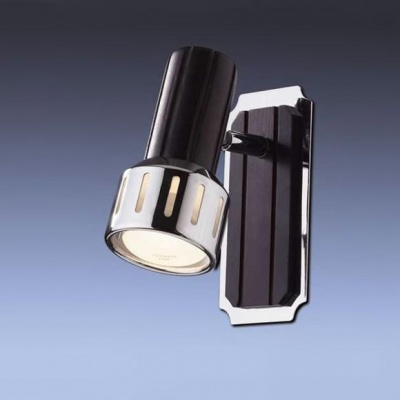 Светильник Odeon light 1969/1W хром/т.деревоОдиночные<br>Светильники-споты – это оригинальные изделия с современным дизайном. Они позволяют не ограничивать свою фантазию при выборе освещения для интерьера. Такие модели обеспечивают достаточно качественный свет. Благодаря компактным размерам Вы можете использовать несколько спотов для одного помещения.  Интернет-магазин «Светодом» предлагает необычный светильник-спот Odeon light 1969/1W по привлекательной цене. Эта модель станет отличным дополнением к люстре, выполненной в том же стиле. Перед оформлением заказа изучите характеристики изделия.  Купить светильник-спот Odeon light 1969/1W в нашем онлайн-магазине Вы можете либо с помощью формы на сайте, либо по указанным выше телефонам. Обратите внимание, что у нас склады не только в Москве и Екатеринбурге, но и других городах России.<br><br>S освещ. до, м2: 2<br>Тип лампы: накал-я - энергосбер-я<br>Тип цоколя: E14<br>Количество ламп: 1<br>Ширина, мм: 70<br>MAX мощность ламп, Вт: 40<br>Высота, мм: 140<br>Цвет арматуры: серебристый