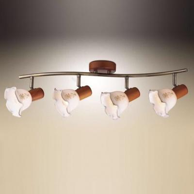 Светильник Odeon light 1977/4W бронза/деревоС 4 лампами<br>Светильники-споты – это оригинальные изделия с современным дизайном. Они позволяют не ограничивать свою фантазию при выборе освещения для интерьера. Такие модели обеспечивают достаточно качественный свет. Благодаря компактным размерам Вы можете использовать несколько спотов для одного помещения. <br>Интернет-магазин «Светодом» предлагает необычный светильник-спот Odeon light 1977/4W по привлекательной цене. Эта модель станет отличным дополнением к люстре, выполненной в том же стиле. Перед оформлением заказа изучите характеристики изделия. <br>Купить светильник-спот Odeon light 1977/4W в нашем онлайн-магазине Вы можете либо с помощью формы на сайте, либо по указанным выше телефонам. Обратите внимание, что у нас склады не только в Москве и Екатеринбурге, но и других городах России.<br><br>S освещ. до, м2: 10<br>Тип лампы: накал-я - энергосбер-я<br>Тип цоколя: E14<br>Цвет арматуры: бронзовый<br>Количество ламп: 4<br>Ширина, мм: 740<br>Высота, мм: 150<br>MAX мощность ламп, Вт: 40