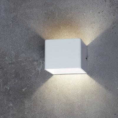 Настенный светильник Favourite 1998-1W TwinserУличные настенные светильники<br><br><br>Цветовая t, К: 4000 - 4200<br>Тип лампы: LED - светодиодная<br>Тип цоколя: LED, встроенные светодиоды<br>Цвет арматуры: серебристый<br>Ширина, мм: 100<br>Размеры: L100*W100*H80/Cutout<br>Диаметр врезного отверстия, мм: 27 - 30<br>Длина, мм: 100<br>Высота, мм: 80<br>Поверхность арматуры: матовая<br>Оттенок (цвет): серый<br>MAX мощность ламп, Вт: 5