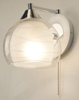Citilux Буги CL157311 Светильник настенный браМодерн<br><br><br>S освещ. до, м2: 5<br>Тип товара: Светильник настенный бра<br>Тип лампы: накаливания / энергосбережения / LED-светодиодная<br>Тип цоколя: E27<br>Количество ламп: 1<br>Ширина, мм: 150<br>MAX мощность ламп, Вт: 75<br>Размеры: Высота 16 см. Ширина 14,5 см. Глубина 17,5 см.<br>Длина, мм: 180<br>Высота, мм: 160<br>Оттенок (цвет): белый<br>Цвет арматуры: серебристый