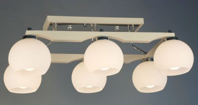Citilux Ариста CL164362 Люстра потолочнаяПотолочные<br><br><br>Установка на натяжной потолок: Да<br>S освещ. до, м2: 30<br>Крепление: Планка<br>Тип товара: Люстра потолочная<br>Тип лампы: накаливания / энергосбережения / LED-светодиодная<br>Тип цоколя: E27<br>Количество ламп: 6<br>Ширина, мм: 420<br>MAX мощность ламп, Вт: 75<br>Размеры: Высота 25см, Габариты 42х69см, Массив дерева, Выдувное молочнобелое стеклоЗапасное стекло<br>Длина, мм: 700<br>Высота, мм: 250<br>Поверхность арматуры: глянцевый, матовый<br>Оттенок (цвет): белый<br>Цвет арматуры: белый