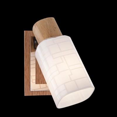 Светильник Евросвет 20029/1 хром/светлое деревоОдиночные<br>Светильники-споты – это оригинальные изделия с современным дизайном. Они позволяют не ограничивать свою фантазию при выборе освещения для интерьера. Такие модели обеспечивают достаточно качественный свет. Благодаря компактным размерам Вы можете использовать несколько спотов для одного помещения.  Интернет-магазин «Светодом» предлагает необычный светильник-спот Евросвет 20029/1 по привлекательной цене. Эта модель станет отличным дополнением к люстре, выполненной в том же стиле. Перед оформлением заказа изучите характеристики изделия.  Купить светильник-спот Евросвет 20029/1 в нашем онлайн-магазине Вы можете либо с помощью формы на сайте, либо по указанным выше телефонам. Обратите внимание, что у нас склады не только в Москве и Екатеринбурге, но и других городах России.<br><br>Тип лампы: Накаливания / энергосбережения / светодиодная<br>Тип цоколя: E14<br>Количество ламп: 1<br>Ширина, мм: 130<br>MAX мощность ламп, Вт: 40<br>Длина, мм: 90<br>Высота, мм: 150<br>Цвет арматуры: серебристый