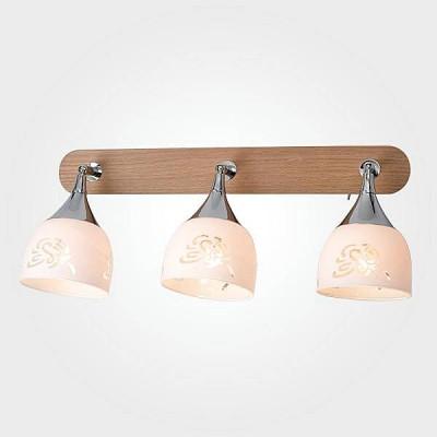 Евросвет 20051/3 светлое деревоТройные<br>Светильники-споты – это оригинальные изделия с современным дизайном. Они позволяют не ограничивать свою фантазию при выборе освещения для интерьера. Такие модели обеспечивают достаточно качественный свет. Благодаря компактным размерам Вы можете использовать несколько спотов для одного помещения.  Интернет-магазин «Светодом» предлагает необычный светильник-спот Евросвет 20051/3 по привлекательной цене. Эта модель станет отличным дополнением к люстре, выполненной в том же стиле. Перед оформлением заказа изучите характеристики изделия.  Купить светильник-спот Евросвет 20051/3 в нашем онлайн-магазине Вы можете либо с помощью формы на сайте, либо по указанным выше телефонам. Обратите внимание, что у нас склады не только в Москве и Екатеринбурге, но и других городах России.<br><br>S освещ. до, м2: 6<br>Тип лампы: Накаливания / энергосбережения / светодиодная<br>Тип цоколя: E14<br>Количество ламп: 3<br>Ширина, мм: 190<br>Длина, мм: 460<br>Высота, мм: 200<br>MAX мощность ламп, Вт: 40
