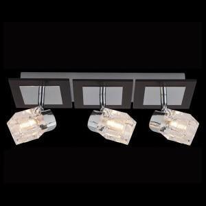 Светильник Евросвет 20140/3 хромТройные<br>Светильники-споты – это оригинальные изделия с современным дизайном. Они позволяют не ограничивать свою фантазию при выборе освещения для интерьера. Такие модели обеспечивают достаточно качественный свет. Благодаря компактным размерам Вы можете использовать несколько спотов для одного помещения.  Интернет-магазин «Светодом» предлагает необычный светильник-спот Евросвет 20140/3 по привлекательной цене. Эта модель станет отличным дополнением к люстре, выполненной в том же стиле. Перед оформлением заказа изучите характеристики изделия.  Купить светильник-спот Евросвет 20140/3 в нашем онлайн-магазине Вы можете либо с помощью формы на сайте, либо по указанным выше телефонам. Обратите внимание, что мы предлагаем доставку не только по Москве и Екатеринбургу, но и всем остальным российским городам.<br><br>S освещ. до, м2: 8<br>Тип лампы: галогенная / LED-светодиодная<br>Тип цоколя: G9<br>Количество ламп: 3<br>MAX мощность ламп, Вт: 40<br>Длина, мм: 370<br>Высота, мм: 130<br>Цвет арматуры: серебристый