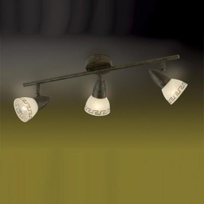 Светильник Odeon light 2075/3W Medeo коричневыйТройные<br>Допускается установка светильника на вертикальную поверхность - стену и горизонтальную поверхность - потолок.<br><br>S освещ. до, м2: 8<br>Тип лампы: накал-я - энергосбер-я<br>Тип цоколя: E14<br>Количество ламп: 3<br>Ширина, мм: 560<br>MAX мощность ламп, Вт: 40<br>Расстояние от стены, мм: 175<br>Цвет арматуры: коричневый