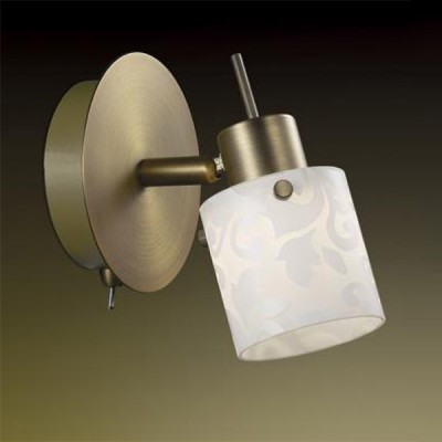Светильник Odeon light 2077/1W Terbo бронзаОдиночные<br>Светильники-споты – это оригинальные изделия с современным дизайном. Они позволяют не ограничивать свою фантазию при выборе освещения для интерьера. Такие модели обеспечивают достаточно качественный свет. Благодаря компактным размерам Вы можете использовать несколько спотов для одного помещения.  Интернет-магазин «Светодом» предлагает необычный светильник-спот Odeon light 2077/1W по привлекательной цене. Эта модель станет отличным дополнением к люстре, выполненной в том же стиле. Перед оформлением заказа изучите характеристики изделия.  Купить светильник-спот Odeon light 2077/1W в нашем онлайн-магазине Вы можете либо с помощью формы на сайте, либо по указанным выше телефонам. Обратите внимание, что у нас склады не только в Москве и Екатеринбурге, но и других городах России.<br><br>S освещ. до, м2: 2<br>Тип лампы: галогенная / LED-светодиодная<br>Тип цоколя: G9<br>Количество ламп: 1<br>Ширина, мм: 110<br>MAX мощность ламп, Вт: 40<br>Расстояние от стены, мм: 135<br>Высота, мм: 135<br>Цвет арматуры: бронзовый