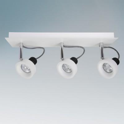 Lightstar VARIETA 210136 СветильникТройные<br>Светильники-споты – это оригинальные изделия с современным дизайном. Они позволяют не ограничивать свою фантазию при выборе освещения для интерьера. Такие модели обеспечивают достаточно качественный свет. Благодаря компактным размерам Вы можете использовать несколько спотов для одного помещения.  Интернет-магазин «Светодом» предлагает необычный светильник-спот Lightstar 210136 по привлекательной цене. Эта модель станет отличным дополнением к люстре, выполненной в том же стиле. Перед оформлением заказа изучите характеристики изделия.  Купить светильник-спот Lightstar 210136 в нашем онлайн-магазине Вы можете либо с помощью формы на сайте, либо по указанным выше телефонам. Обратите внимание, что у нас склады не только в Москве и Екатеринбурге, но и других городах России.<br><br>Тип лампы: галогенная/LED<br>Тип цоколя: GU10<br>Количество ламп: 3<br>Ширина, мм: 170<br>MAX мощность ламп, Вт: 50<br>Длина, мм: 450<br>Высота, мм: 100<br>Цвет арматуры: серебристый