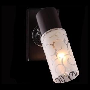 Светильник Евросвет 21130/1 хромОдиночные<br>Светильники-споты – это оригинальные изделия с современным дизайном. Они позволяют не ограничивать свою фантазию при выборе освещения для интерьера. Такие модели обеспечивают достаточно качественный свет. Благодаря компактным размерам Вы можете использовать несколько спотов для одного помещения.  Интернет-магазин «Светодом» предлагает необычный светильник-спот Евросвет 21130/1 по привлекательной цене. Эта модель станет отличным дополнением к люстре, выполненной в том же стиле. Перед оформлением заказа изучите характеристики изделия.  Купить светильник-спот Евросвет 21130/1 в нашем онлайн-магазине Вы можете либо с помощью формы на сайте, либо по указанным выше телефонам. Обратите внимание, что у нас склады не только в Москве и Екатеринбурге, но и других городах России.<br><br>S освещ. до, м2: 2<br>Тип лампы: накал-я - энергосбер-я<br>Тип цоколя: E14<br>Количество ламп: 1<br>MAX мощность ламп, Вт: 40<br>Длина, мм: 100<br>Высота, мм: 170<br>Цвет арматуры: серебристый