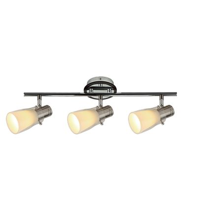 Светильник Colosseo 21405/3Тройные<br>Светильники-споты – это оригинальные изделия с современным дизайном. Они позволяют не ограничивать свою фантазию при выборе освещения для интерьера. Такие модели обеспечивают достаточно качественный свет. Благодаря компактным размерам Вы можете использовать несколько спотов для одного помещения.  Интернет-магазин «Светодом» предлагает необычный светильник-спот Colosseo 21405/3 по привлекательной цене. Эта модель станет отличным дополнением к люстре, выполненной в том же стиле. Перед оформлением заказа изучите характеристики изделия.  Купить светильник-спот Colosseo 21405/3 в нашем онлайн-магазине Вы можете либо с помощью формы на сайте, либо по указанным выше телефонам. Обратите внимание, что мы предлагаем доставку не только по Москве и Екатеринбургу, но и всем остальным российским городам.<br><br>S освещ. до, м2: 8<br>Крепление: планка<br>Тип товара: Светильник поворотный спот<br>Скидка, %: 46<br>Тип лампы: накал-я - энергосбер-я<br>Тип цоколя: E14<br>Количество ламп: 3<br>Ширина, мм: 110<br>MAX мощность ламп, Вт: 40<br>Расстояние от стены, мм: 160<br>Высота, мм: 505<br>Цвет арматуры: серебристый