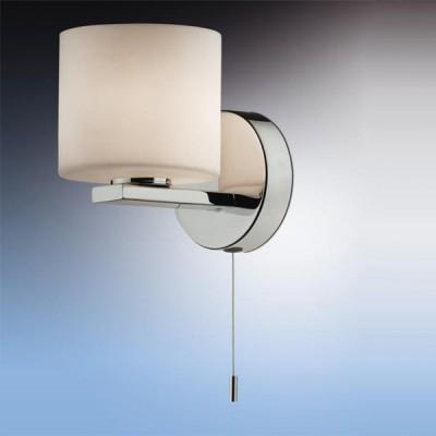 Светильник Odeon Light 2156/1W Batto хром IP44 с выклДля ванной<br>Используются силиконовые уплотнители для защиты от воды<br><br>S освещ. до, м2: 2<br>Тип лампы: галогенная / LED-светодиодная<br>Тип цоколя: G9<br>Количество ламп: 1<br>Ширина, мм: 100<br>MAX мощность ламп, Вт: 40<br>Расстояние от стены, мм: 150<br>Высота, мм: 150<br>Оттенок (цвет): белый<br>Цвет арматуры: серебристый