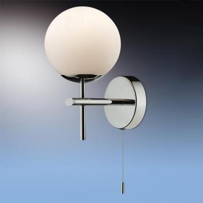 Светильник Odeon Light 2157/1W Batto хром IP44 с выклсовременные бра модерн<br>Используются силиконовые уплотнители для защиты от воды<br><br>S освещ. до, м2: 2<br>Тип лампы: галогенная / LED-светодиодная<br>Тип цоколя: G9<br>Цвет арматуры: серебристый<br>Количество ламп: 1<br>Ширина, мм: 125<br>Расстояние от стены, мм: 150<br>Высота, мм: 220<br>Оттенок (цвет): белый<br>MAX мощность ламп, Вт: 40