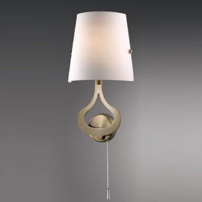 Светильник Odeon Light 2186/1W бронза TiaraКлассические<br><br><br>S освещ. до, м2: 2<br>Крепление: планка<br>Тип лампы: накаливания / энергосбережения / LED-светодиодная<br>Тип цоколя: E14<br>Цвет арматуры: бронзовый<br>Количество ламп: 1<br>Ширина, мм: 195<br>Высота, мм: 370<br>MAX мощность ламп, Вт: 40