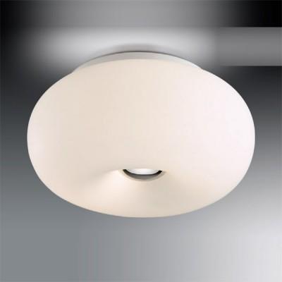 Светильник Odeon Light 2205/2C хром PatiКруглые<br>Оригинальный настенно-потолочный светильник Odeon Light 2205/2C хром Pati  всегда будет находиться в центре внимания Ваших гостей! Объемная круглая форма плафона матового белого цвета выглядит эффектно и привлекательно, она идеально впишется в интерьер, оформленный в «минималистичном» стиле. Площадь освещения составляет 8 кв.м., поэтому наиболее функционально использовать светильник в небольшом помещении. А добавив настольную лампу из этой же серии, Вы сделаете интерьер уютным, «цельным» и гармоничным!<br><br>S освещ. до, м2: 8<br>Крепление: планка<br>Тип лампы: накаливания / энергосбережения / LED-светодиодная<br>Тип цоколя: E27<br>Количество ламп: 2<br>MAX мощность ламп, Вт: 60<br>Диаметр, мм мм: 310<br>Высота, мм: 140<br>Цвет арматуры: серебристый