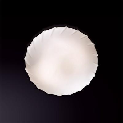 Светильник Odeon Light 2247/1C белый OpalКруглые<br>Изящный настенно-потолочный светильник Odeon light 2247/1C сделает Ваш интерьер уютным и «романтичным». Гармоничное сочетание круглой формы с матовым белым оттенком плафона создает великолепный образ, наполненный благородной красотой. Светильник прекрасно подойдет в качестве подсветки в любую по функциональному назначению комнату – спальню, гостиную, прихожую, детскую. «Цельный» плафон легко очистить от загрязнений – достаточно протереть поверхность влажной салфеткой, поэтому его можно смело использовать даже на кухне.<br><br>S освещ. до, м2: 4<br>Крепление: планка<br>Тип лампы: накаливания / энергосбережения / LED-светодиодная<br>Тип цоколя: E27<br>Количество ламп: 1<br>MAX мощность ламп, Вт: 60<br>Диаметр, мм мм: 230<br>Высота, мм: 105<br>Цвет арматуры: серебристый