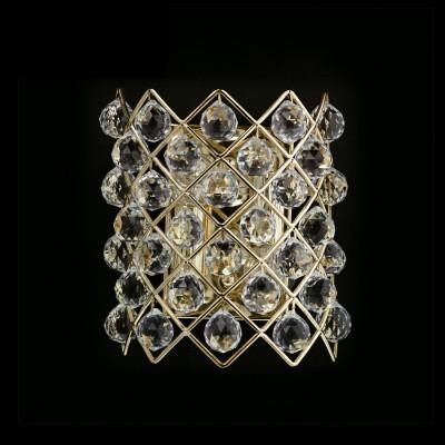 Светильник настенный бра Chiaro 232020704 ЖемчугХрустальные<br>Описание модели 232020704: Настенный светильник из коллекции «Жемчуг» - это настоящее произведение искусства. Металлическое основание благородного золотого оттенка щедро украшено декоративными хрустальными подвесами. Крупные округлые капли в сочетании с геометрическим узором создают стильный запоминающийся дуэт, ослепляющий своим блеском и очаровывающий царственной красотой.<br><br>S освещ. до, м2: 6<br>Рекомендуемые колбы ламп: свеча / свеча на ветру<br>Тип лампы: накаливания / энергосбережения / LED-светодиодная<br>Тип цоколя: E14<br>Количество ламп: 2<br>Ширина, мм: 140<br>MAX мощность ламп, Вт: 60<br>Длина, мм: 220<br>Высота, мм: 210<br>Поверхность арматуры: глянцевый<br>Цвет арматуры: золотой<br>Общая мощность, Вт: 240
