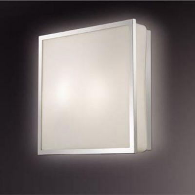Светильник Odeon light 2537/1CКвадратные<br>Стильный настенно-потолочный светильник Odeon light 2537/1C привлекает к себе внимание! «Строгая» квадратная форма, отсутствие декоративных элементов, «металлические» оттенки арматуры и галогенная лампа в качестве источника света, являются несомненными атрибутами стиля «хай-тек» в интерьере. Площадь освещения составляет 2 кв.м., поэтому наиболее оптимальным будет использование светильника в качестве подсветки определенной «зоны» комнаты. Рекомендуем Вам<br><br>S освещ. до, м2: 2<br>Тип лампы: галогенная / LED-светодиодная<br>Тип цоколя: G9<br>Количество ламп: 1<br>MAX мощность ламп, Вт: 40<br>Цвет арматуры: серебристый