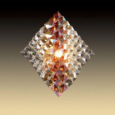 Светильник Odeon light 2599/1WХрустальные<br>Настенный светильник Odeon light 2599/1W станет настоящим украшением Вашего интерьера! Плафон полностью выполнен из известного во всем мире хрусталя бургунди в трех оттенках: прозрачном, золотом и янтарном. Луч, попадая на множество граней, преломляется в них, и создает неповторимое, «искрящееся» освещение, которое преобразит комнату и сделает ее уютной и роскошной. Рекомендуем Вам использовать бра в комплекте из нескольких экземпляров и люстрой из этой же серии, чтобы комната выглядела «цельной», гармоничной и по-дизайнерски профессиональной.<br><br>S освещ. до, м2: 3<br>Тип цоколя: G9<br>Количество ламп: 1<br>Ширина, мм: 250<br>MAX мощность ламп, Вт: 40<br>Высота, мм: 290<br>Цвет арматуры: серебристый