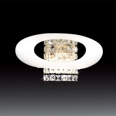 Светильник Odeon light 2604/2WХай-тек<br>Настенный светильник Odeon light 2604/2W станет любимым предметом в Вашем доме! Современная оригинальная форма великолепно сочетается с хрустальными деталями, создавая неповторимый, запоминающийся и броский образ! Наиболее «выигрышно» он будет смотреться в интерьере в стиле «хай-тек» или «модерн». Бра может служить не только в качестве подсветки, но и самостоятельным элементом декора комнаты. Чтобы пространство выглядело гармоничным, стильным и уютным, рекомендуем Вам использовать светильник в комплекте из нескольких экземпляров, а также люстрой и настольной лампой этой же серии.<br><br>S освещ. до, м2: 6<br>Тип цоколя: G9<br>Количество ламп: 2<br>Ширина, мм: 350<br>MAX мощность ламп, Вт: 40<br>Высота, мм: 170<br>Оттенок (цвет): белый<br>Цвет арматуры: серебристый