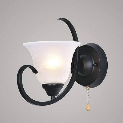 Евросвет 261/1Классика<br><br><br>Тип лампы: Накаливания / энергосбережения / светодиодная<br>Тип цоколя: E27<br>Количество ламп: 1<br>Ширина, мм: 180<br>MAX мощность ламп, Вт: 60<br>Высота, мм: 280