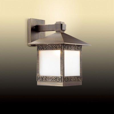 Светильник уличный Odeon light 2644/1WНастенные<br>Обеспечение качественного уличного освещения – важная задача для владельцев коттеджей. Компания «Светодом» предлагает современные светильники, которые порадуют Вас отличным исполнением. В нашем каталоге представлена продукция известных производителей, пользующихся популярностью благодаря высокому качеству выпускаемых товаров.   Уличный светильник Odeon light 2644/1W не просто обеспечит качественное освещение, но и станет украшением Вашего участка. Модель выполнена из современных материалов и имеет влагозащитный корпус, благодаря которому ей не страшны осадки.   Купить уличный светильник Odeon light 2644/1W , представленный в нашем каталоге, можно с помощью онлайн-формы для заказа. Чтобы задать имеющиеся вопросы, звоните нам по указанным телефонам.<br><br>S освещ. до, м2: до 4<br>Тип цоколя: E27<br>Количество ламп: 1<br>Ширина, мм: 226<br>MAX мощность ламп, Вт: 60<br>Высота, мм: 330<br>Цвет арматуры: коричневый