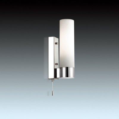 Светильник Odeon light 2660/1WДля ванной<br><br><br>S освещ. до, м2: 4<br>Тип цоколя: E27<br>Количество ламп: 1<br>Ширина, мм: 70<br>MAX мощность ламп, Вт: 60<br>Высота, мм: 280<br>Оттенок (цвет): белый<br>Цвет арматуры: серебристый