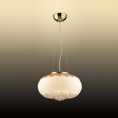 Светильник Odeon light 2677/4Одиночные<br>Подвесной светильник Odeon light 2677/4 по праву займет центральное место в комнате и будет являться основополагающим предметом интерьера – в нем тщательно продуманы и идеально сочетаются все элементы конструкции: объемная круглая форма подчеркнута белым и золотым оттенком, «растительный» рисунок на плафоне украшает его и делает изящным и эффектным.   Дополнят общую «линию» стиля, сделают интерьер законченным и совершенным настенно-потолочные светильники из этой же серии.<br><br>S освещ. до, м2: 11<br>Тип цоколя: G9<br>Количество ламп: 4<br>MAX мощность ламп, Вт: 40<br>Диаметр, мм мм: 430<br>Высота, мм: 260<br>Оттенок (цвет): белый<br>Цвет арматуры: золотой