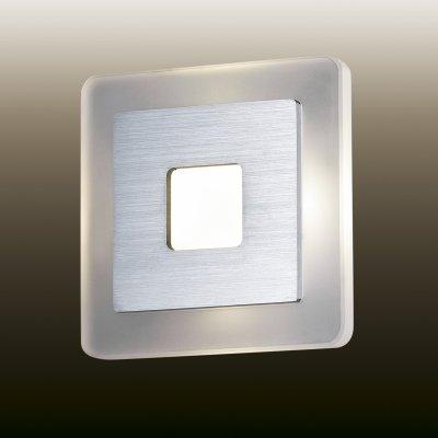 Настенный светильник odeon light 2724/4WL AMAFOХай-тек<br><br><br>S освещ. до, м2: 0<br>Цветовая t, К: 4000<br>Тип лампы: LED - светодиодная<br>Тип цоколя: LED<br>Цвет арматуры: серый<br>Ширина, мм: 140<br>Расстояние от стены, мм: 50<br>Высота, мм: 140<br>MAX мощность ламп, Вт: 4
