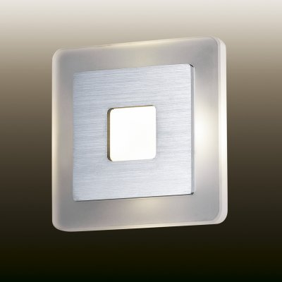 Настенный светильник odeon light 2724/4WL AMAFOХай-тек<br><br><br>S освещ. до, м2: 0<br>Цветовая t, К: 4000<br>Тип лампы: LED - светодиодная<br>Тип цоколя: LED<br>Ширина, мм: 140<br>MAX мощность ламп, Вт: 4<br>Расстояние от стены, мм: 50<br>Высота, мм: 140<br>Цвет арматуры: серый