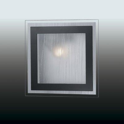 Настенно-потолочный светильник odeon light 2736/1W ULENКвадратные<br>Настенно-потолочные светильники – это универсальные осветительные варианты, которые подходят для вертикального и горизонтального монтажа. В интернет-магазине «Светодом» Вы можете приобрести подобные модели по выгодной стоимости. В нашем каталоге представлены как бюджетные варианты, так и эксклюзивные изделия от производителей, которые уже давно заслужили доверие дизайнеров и простых покупателей.  Настенно-потолочный светильник Odeon light 2736/1W станет прекрасным дополнением к основному освещению. Благодаря качественному исполнению и применению современных технологий при производстве эта модель будет радовать Вас своим привлекательным внешним видом долгое время. Приобрести настенно-потолочный светильник Odeon light 2736/1W можно, находясь в любой точке России.<br><br>S освещ. до, м2: 4<br>Тип лампы: накаливания / энергосбережения / LED-светодиодная<br>Тип цоколя: E27<br>Количество ламп: 1<br>Ширина, мм: 235<br>MAX мощность ламп, Вт: 60<br>Расстояние от стены, мм: 75<br>Высота, мм: 235
