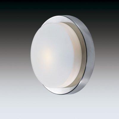 Настенно-потолочный светильник odeon light 2746/1C HOLGERкруглые светильники<br>Настенно-потолочные светильники – это универсальные осветительные варианты, которые подходят для вертикального и горизонтального монтажа. В интернет-магазине «Светодом» Вы можете приобрести подобные модели по выгодной стоимости. В нашем каталоге представлены как бюджетные варианты, так и эксклюзивные изделия от производителей, которые уже давно заслужили доверие дизайнеров и простых покупателей.  Настенно-потолочный светильник Odeon light 2746/1C станет прекрасным дополнением к основному освещению. Благодаря качественному исполнению и применению современных технологий при производстве эта модель будет радовать Вас своим привлекательным внешним видом долгое время. Приобрести настенно-потолочный светильник Odeon light 2746/1C можно, находясь в любой точке России.<br><br>S освещ. до, м2: 2<br>Тип лампы: накаливания / энергосбережения / LED-светодиодная<br>Тип цоколя: E14<br>Цвет арматуры: серебристый<br>Количество ламп: 1<br>Диаметр, мм мм: 230<br>Высота, мм: 65<br>MAX мощность ламп, Вт: 40