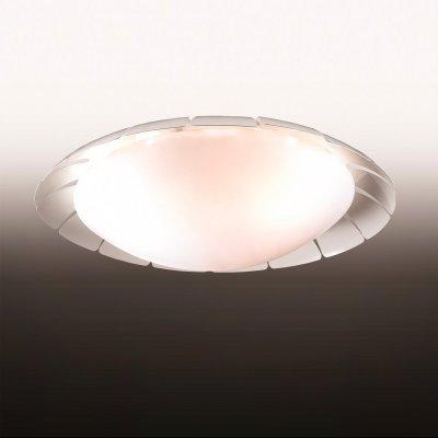 Люстра odeon light 2752/3C ZITAКруглые<br>Настенно-потолочные светильники – это универсальные осветительные варианты, которые подходят для вертикального и горизонтального монтажа. В интернет-магазине «Светодом» Вы можете приобрести подобные модели по выгодной стоимости. В нашем каталоге представлены как бюджетные варианты, так и эксклюзивные изделия от производителей, которые уже давно заслужили доверие дизайнеров и простых покупателей.  Настенно-потолочный светильник Odeon light 2752/3C станет прекрасным дополнением к основному освещению. Благодаря качественному исполнению и применению современных технологий при производстве эта модель будет радовать Вас своим привлекательным внешним видом долгое время. Приобрести настенно-потолочный светильник Odeon light 2752/3C можно, находясь в любой точке России.<br><br>S освещ. до, м2: 12<br>Тип лампы: накаливания / энергосбережения / LED-светодиодная<br>Тип цоколя: E14<br>Количество ламп: 3<br>MAX мощность ламп, Вт: 60<br>Диаметр, мм мм: 510<br>Высота, мм: 140<br>Цвет арматуры: белый
