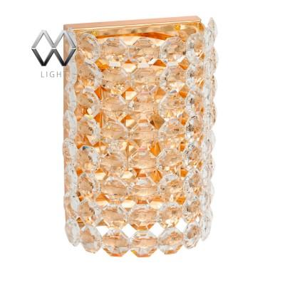 Светильник настенный бра Mw light 276024102 ВенецияХрустальные<br>Описание модели 276024102: Настенный светильник из коллекции «Венеция», кажется, выполнен руками ювелира – настолько празднично и богато он смотрится. Основание из металла благородного цвета золота выглядит особенно шикарно в тандеме с декоративными подвесками из хрусталя. Они создают ослепительный гламурный дуэт, достойный не только современных, но и классических интерьеров.<br><br>S освещ. до, м2: 6<br>Тип лампы: накаливания / энергосбережения / LED-светодиодная<br>Тип цоколя: E14<br>Количество ламп: 2<br>Ширина, мм: 190<br>MAX мощность ламп, Вт: 60<br>Длина, мм: 270<br>Высота, мм: 120<br>Цвет арматуры: золотой<br>Общая мощность, Вт: 120