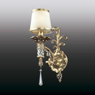 Настенный светильник odeon light 2803/1W PETAКлассические<br><br><br>S освещ. до, м2: 4<br>Тип лампы: накаливания / энергосбережения / LED-светодиодная<br>Тип цоколя: E27<br>Количество ламп: 1<br>Ширина, мм: 150<br>MAX мощность ламп, Вт: 60<br>Расстояние от стены, мм: 220<br>Высота, мм: 450<br>Цвет арматуры: золотой