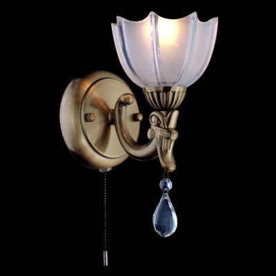 Светильник бра Евросвет 29363/1 античная бронзаКлассические<br><br><br>Тип лампы: накаливания / энергосбережения / LED-светодиодная<br>Тип цоколя: E14<br>Количество ламп: 1/1<br>Ширина, мм: 170<br>MAX мощность ламп, Вт: 60<br>Длина, мм: 120<br>Высота, мм: 240<br>Цвет арматуры: бронзовый