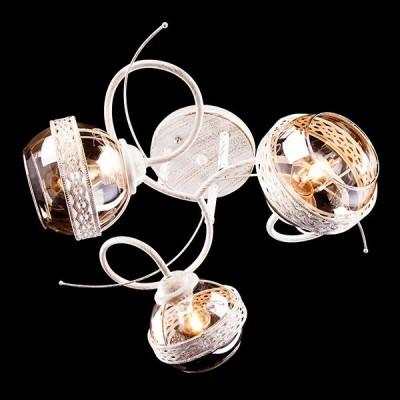 Светильник Евросвет 30005/3 белый с золотомПотолочные<br>Компания «Светодом» предлагает широкий ассортимент люстр от известных производителей. Представленные в нашем каталоге товары выполнены из современных материалов и обладают отличным качеством. Благодаря широкому ассортименту Вы сможете найти у нас люстру под любой интерьер. Мы предлагаем как классические варианты, так и современные модели, отличающиеся лаконичностью и простотой форм.  Стильная люстра Евросвет 30005/3 станет украшением любого дома. Эта модель от известного производителя не оставит равнодушным ценителей красивых и оригинальных предметов интерьера. Люстра Евросвет 30005/3 обеспечит равномерное распределение света по всей комнате. При выборе обратите внимание на характеристики, позволяющие приобрести наиболее подходящую модель. Купить понравившуюся люстру по доступной цене Вы можете в интернет-магазине «Светодом».<br><br>Установка на натяжной потолок: Да<br>S освещ. до, м2: 9<br>Крепление: Планка<br>Тип лампы: Накаливания / энергосбережения / светодиодная<br>Тип цоколя: E27<br>Количество ламп: 3<br>MAX мощность ламп, Вт: 60<br>Диаметр, мм мм: 460<br>Высота, мм: 270<br>Цвет арматуры: белый с золотистой патиной