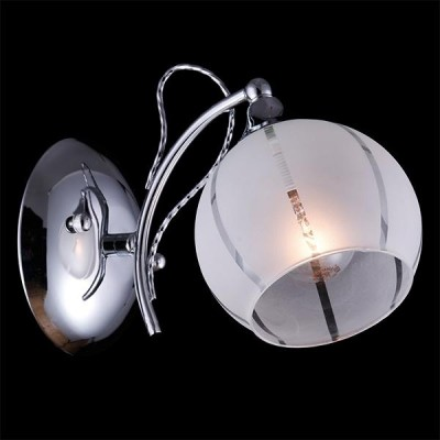 Светильник Евросвет 30021/1 хромМодерн<br><br><br>Тип товара: Светильник настенный бра<br>Цветовая t, К: 2400-2800<br>Тип лампы: накаливания / энергосберегающая / светодиодная<br>Тип цоколя: E14<br>Количество ламп: 1<br>Ширина, мм: 120<br>MAX мощность ламп, Вт: 60<br>Длина, мм: 160<br>Высота, мм: 200<br>Поверхность арматуры: матовый<br>Цвет арматуры: серебристый