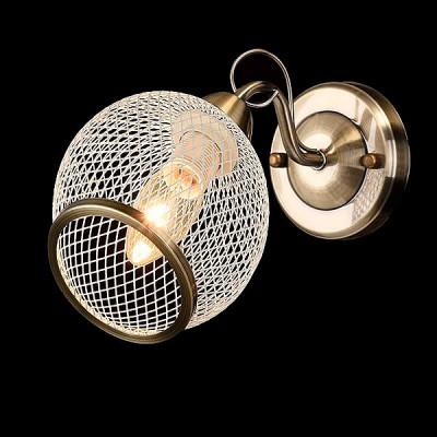 Светильник Евросвет 30042/1 античная бронзаМодерн<br><br><br>Тип товара: Светильник настенный бра<br>Тип лампы: Накаливания / энергосбережения / светодиодная<br>Тип цоколя: E14<br>Количество ламп: 1<br>Ширина, мм: 130<br>MAX мощность ламп, Вт: 60<br>Длина, мм: 230<br>Высота, мм: 240<br>Цвет арматуры: бронзовый