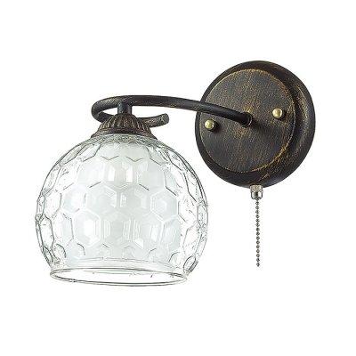 Настенный светильник бра Lumion 3082/1W AMPOLLAСовременные<br>Бра 3082/1W серии Ampolla оформлена в современном стиле. Светильник состоит из двойного плафона, нижняя часть которого выполнена из матового стекла, а верхняя - из актуального объемного стекла с рисунком в виде шестиугольников, и  арматуры оригинального цвета черный с золотой патиной. Данная модель обладает оригинальностью сочетания современного, базового и классического. Цоколь E27. Мощность 1x60W. Нет ламп в комплекте.<br><br>Крепление: Настенное<br>Тип лампы: накаливания / энергосбережения / LED-светодиодная<br>Тип цоколя: E27<br>Цвет арматуры: коричневый<br>Количество ламп: 1<br>Ширина, мм: 150<br>Диаметр, мм мм: 220<br>Длина, мм: 220<br>Высота, мм: 220<br>MAX мощность ламп, Вт: 60