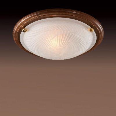 Светильник Сонекс 216 золото GlassКруглые<br>Настенно потолочный светильник Сонекс (Sonex) 216 подходит как для установки в вертикальном положении - на стены, так и для установки в горизонтальном - на потолок. Для установки настенно потолочных светильников на натяжной потолок необходимо использовать светодиодные лампы LED, которые экономнее ламп Ильича (накаливания) в 10 раз, выделяют мало тепла и не дадут расплавиться Вашему потолку.<br><br>S освещ. до, м2: 13<br>Тип лампы: накаливания / энергосбережения / LED-светодиодная<br>Тип цоколя: E27<br>Количество ламп: 2<br>MAX мощность ламп, Вт: 100<br>Диаметр, мм мм: 460<br>Цвет арматуры: золотой